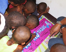 子供たちがサンキューメッセージを書いてくれました